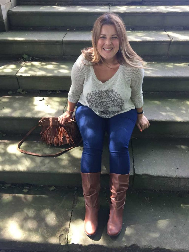 Juggle Mum Blogger Wearing Women's Boot Mystery In Tan
