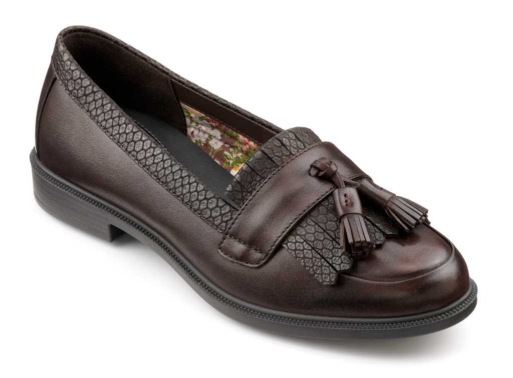 Smart women's loafer Hamlet with tassel detail in colour Chocolate