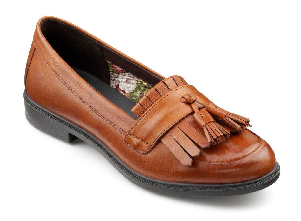 Smart women's loafer Hamlet with tassel detail in colour Tan