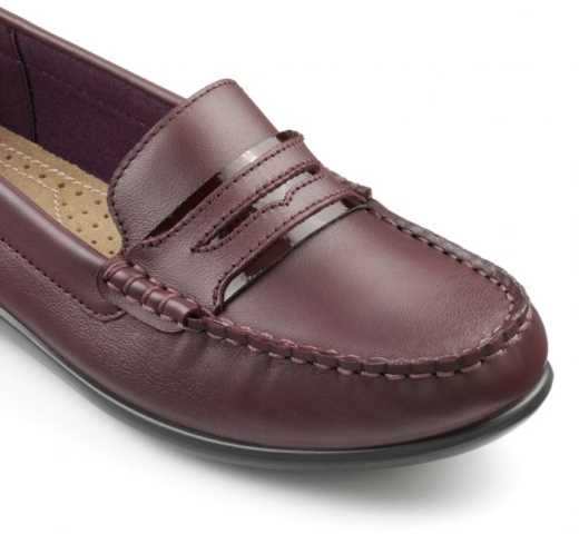 Update your footwear collection with the new comfortable women's shoes by Hotter, the stylish and cosy Darcy pumps.